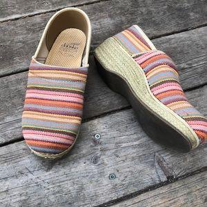 Dansko multicolor striped clogs sz 8